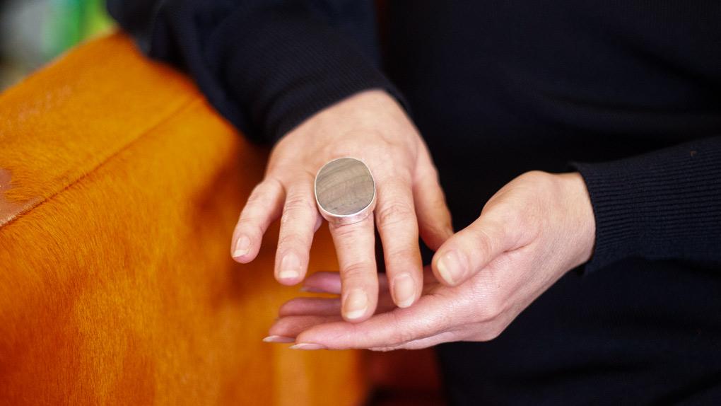 Hände und Körpersprache kann man im  Persönlichkeitstraining erfahren